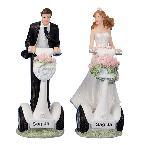 Contemporary sculpture of a married couple Say yes ceramic white / black height 16 cm