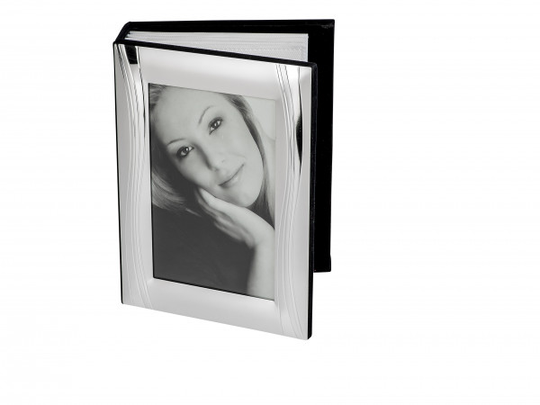 Modern and very beautiful photo album of aluminum silver for 10x15 photos